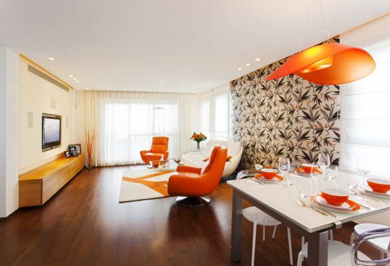 A clean living and dinning areas